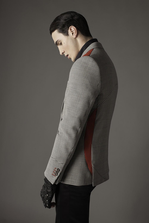 Colour: B/W - Red Fabric: Stretch cotton - Cotton velvet Lining: Viscose