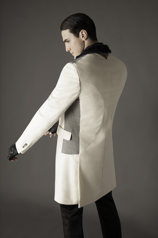 Colour: Ecru - Checked b/w - Black Fabric: Fleece wool - Stretch tweed - Rabbit fur Lining: Viscose
