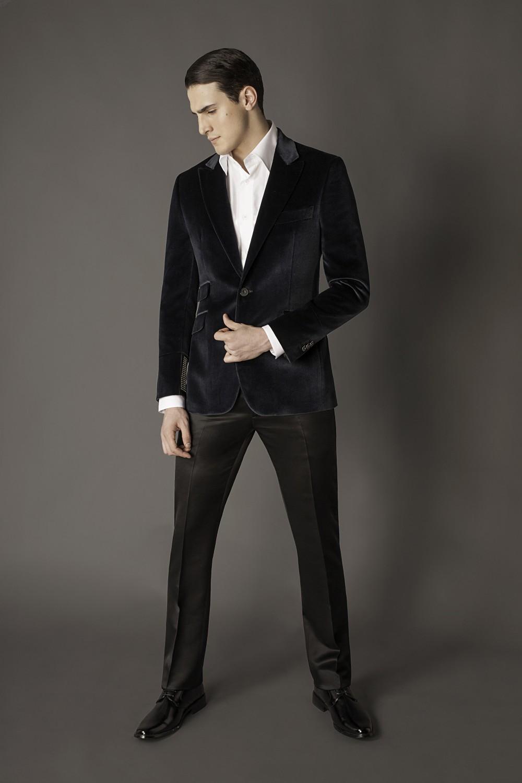 Colour: Black - Silver Fabric: Cotton/silk velvet - Leather - Metal Lining: Viscose