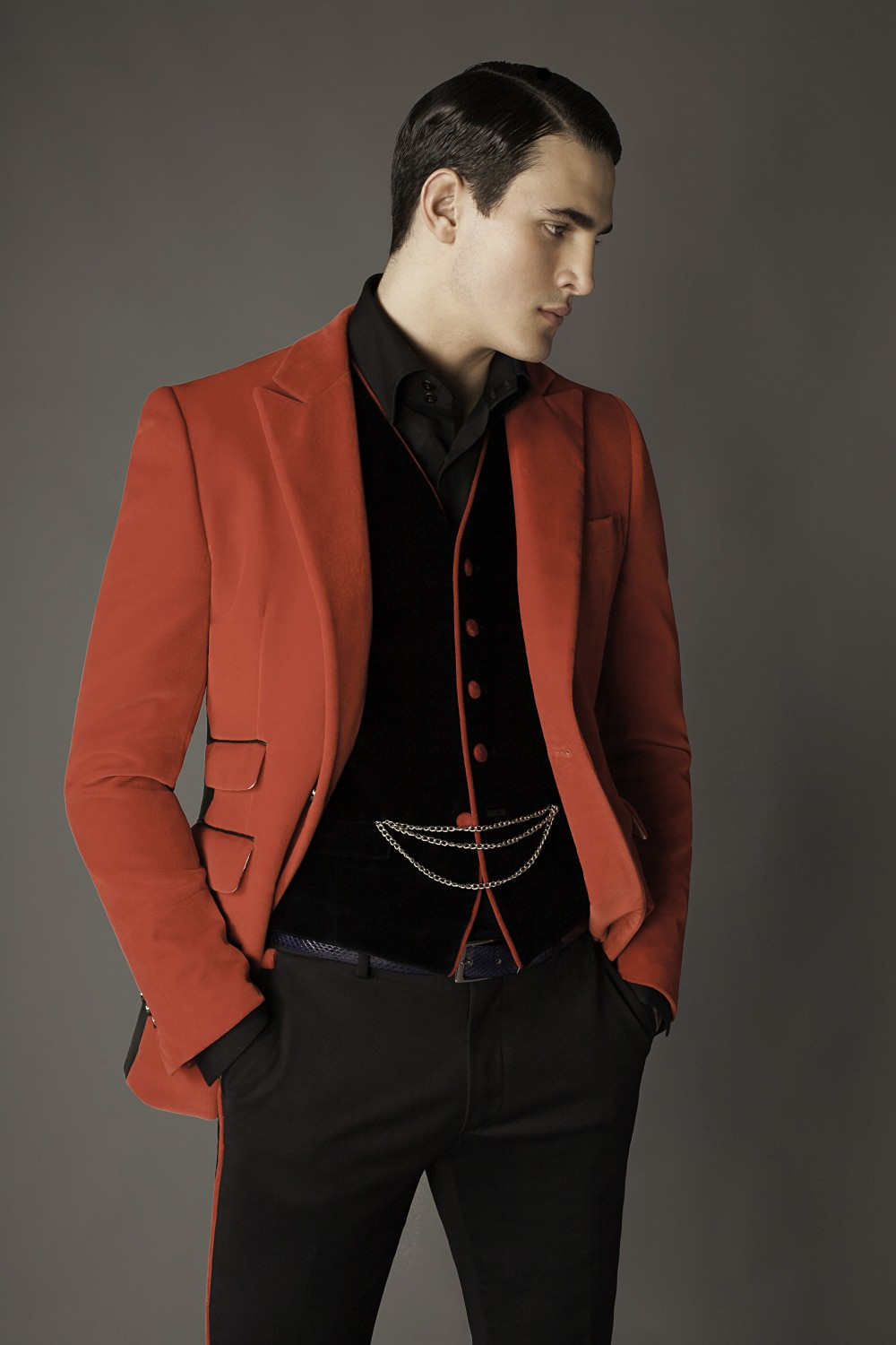 Colour: Red - Black Fabric: Cotton velvet - Leather Lining: Viscose