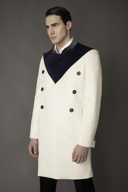 Colour: Ecru - Blue Fabric: Fleece wool - Baby llama Lining: Viscose