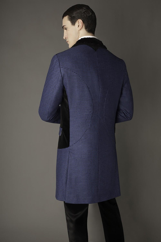Colour: Blue/black houndstooth - Black Fabric: Tweed - Cotton velvet - Rabbit fur Lining: Viscose