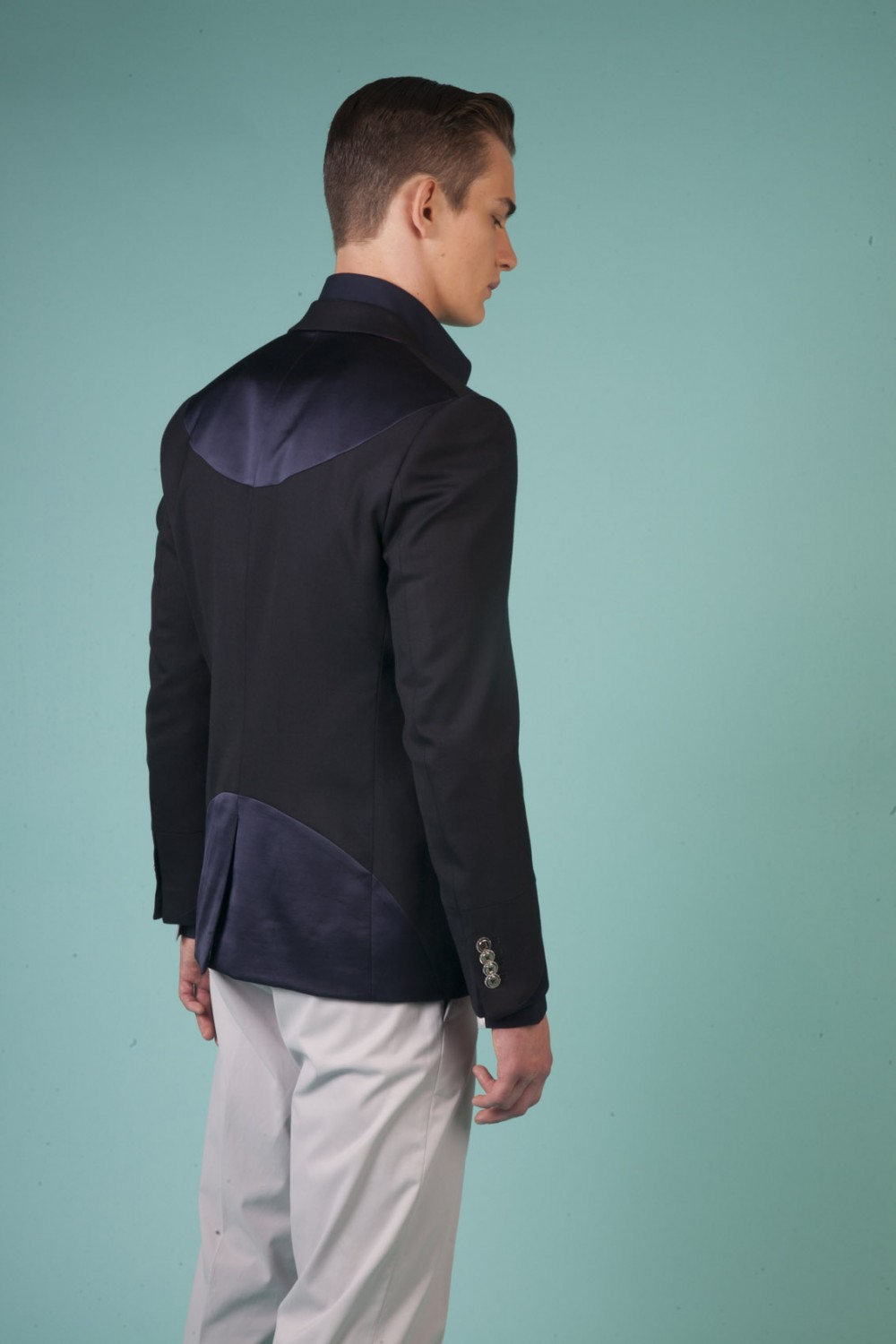 Colour: Midnight blue - Navy blue Fabric: Stretch wool - Coated wool  Lining: Viscose