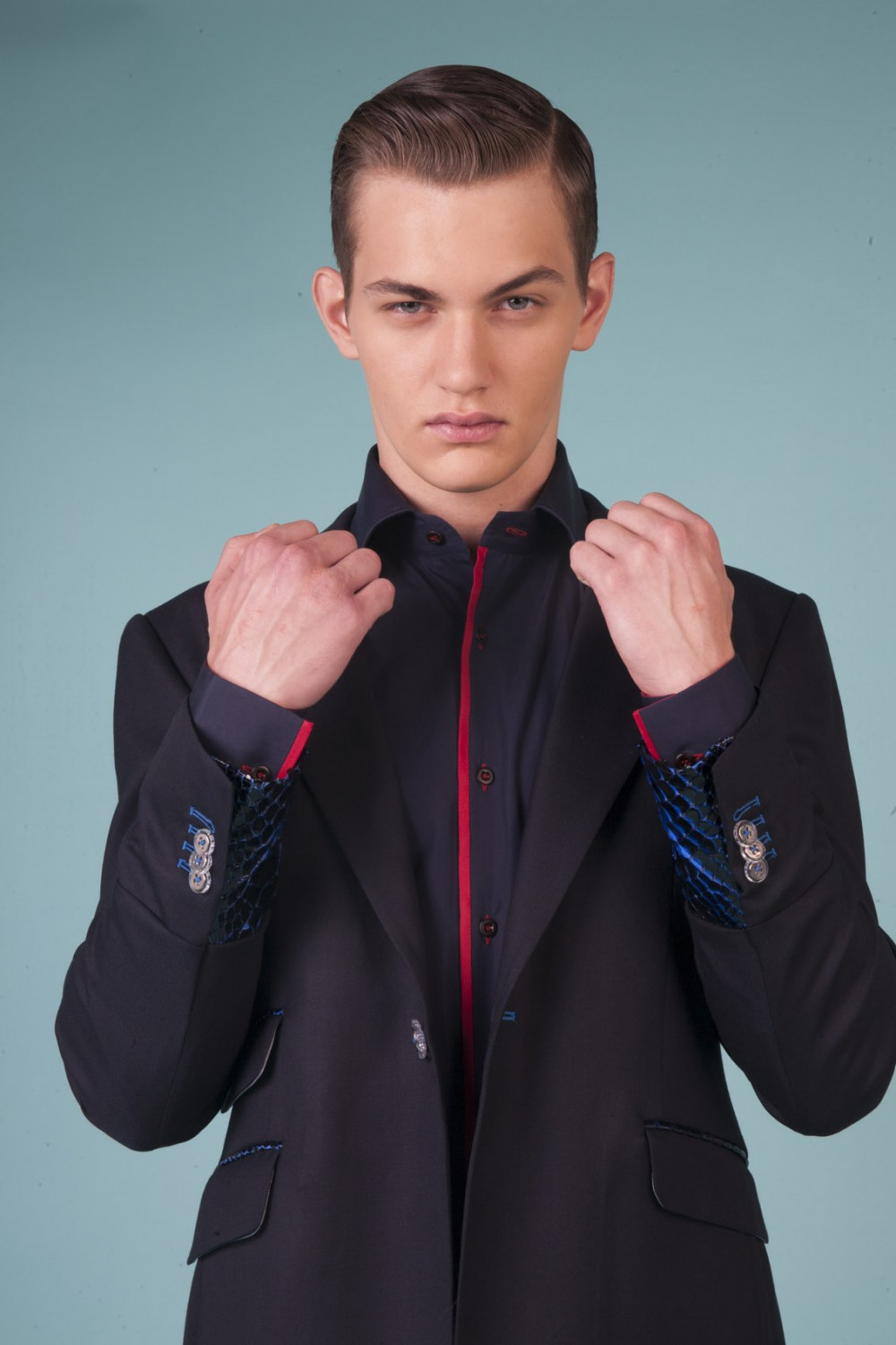 Colour: Midnight blue - Navy skin with klein blue base Fabric: Stretch wool - Reticulated python Lining: Viscose