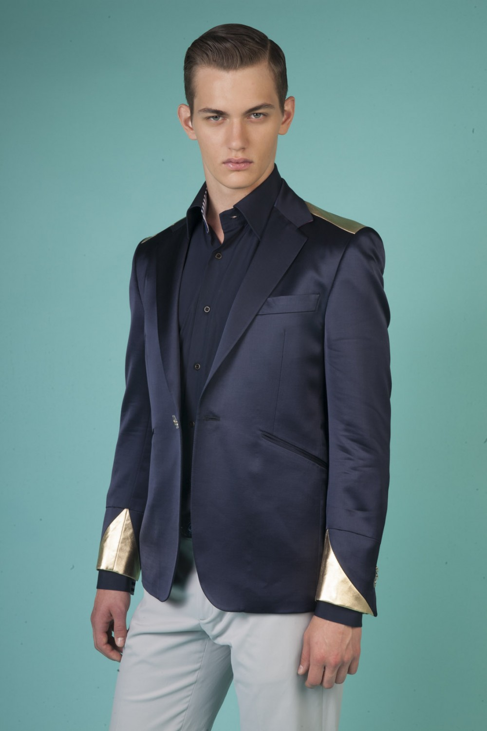 Colour: Navy blue - Gold Fabric: Coated wool - Stretch cotton Lining: Viscose