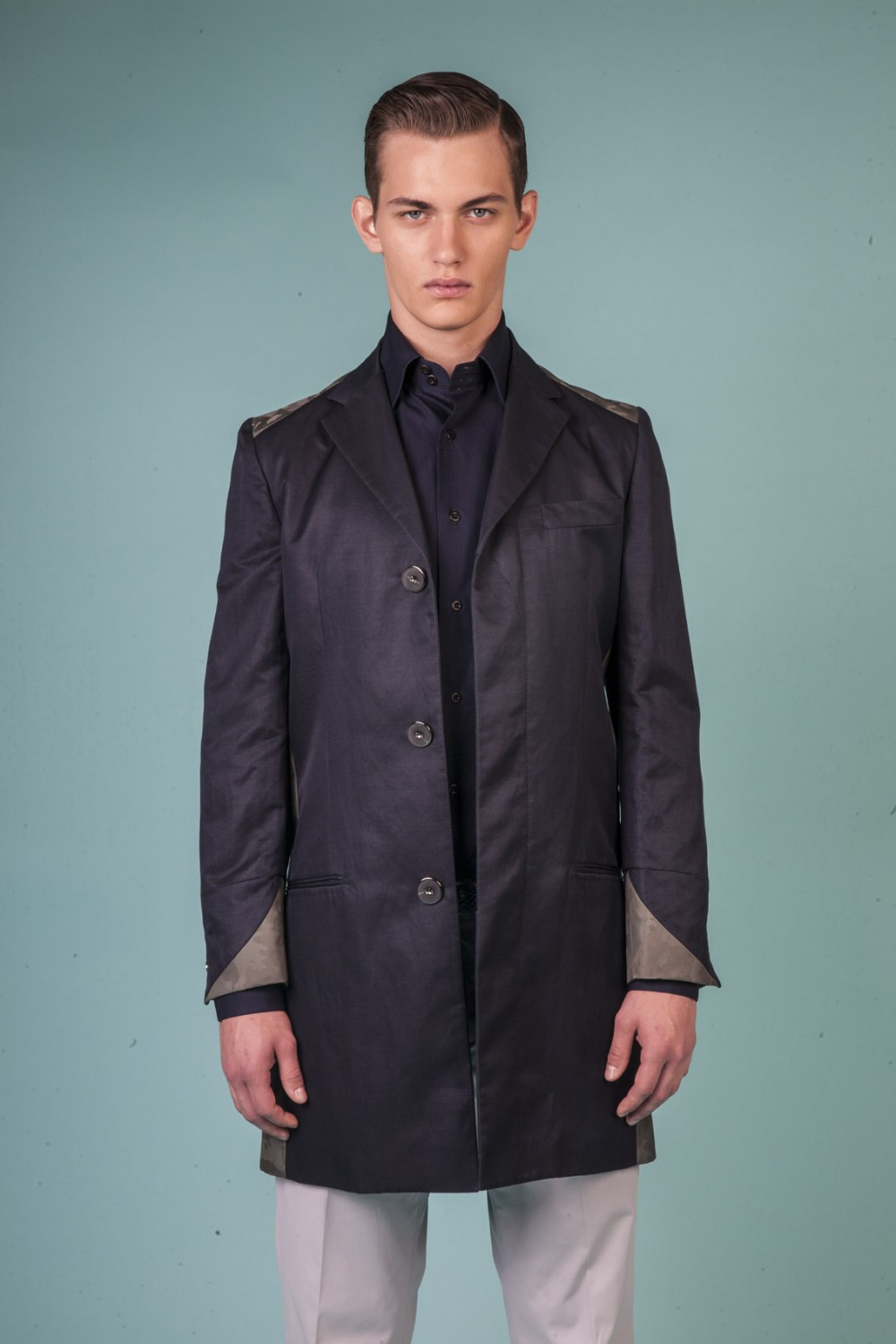 Colour: Navy - Military green camouflage Fabric: Technical linen - Technical jacquard Lining: Viscose