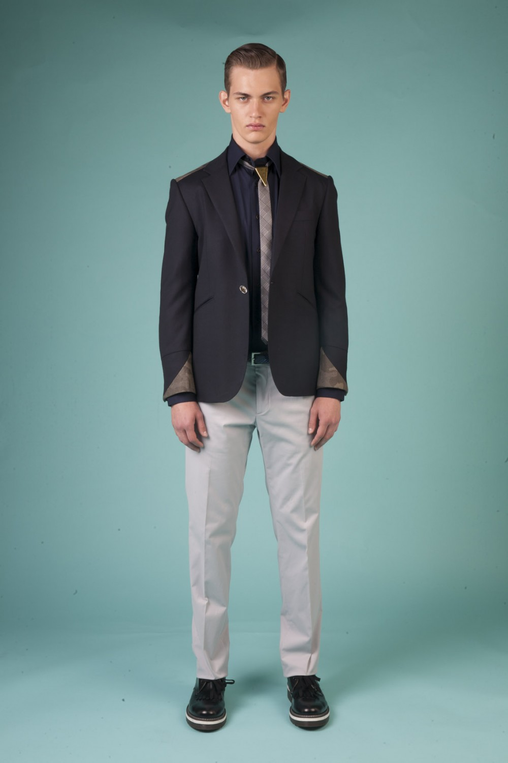 Colour: Midnight blue - Military green camouflage Fabric: Stretch wool - Stretch cotton Lining: Viscose