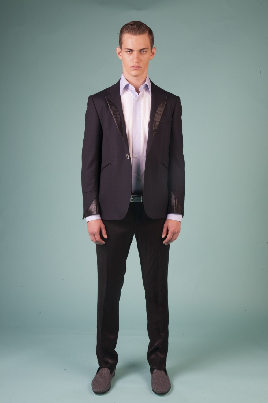 Colour: Midnight blue - Black Fabric: Stretch wool - Metallic silk application Lining: Viscose