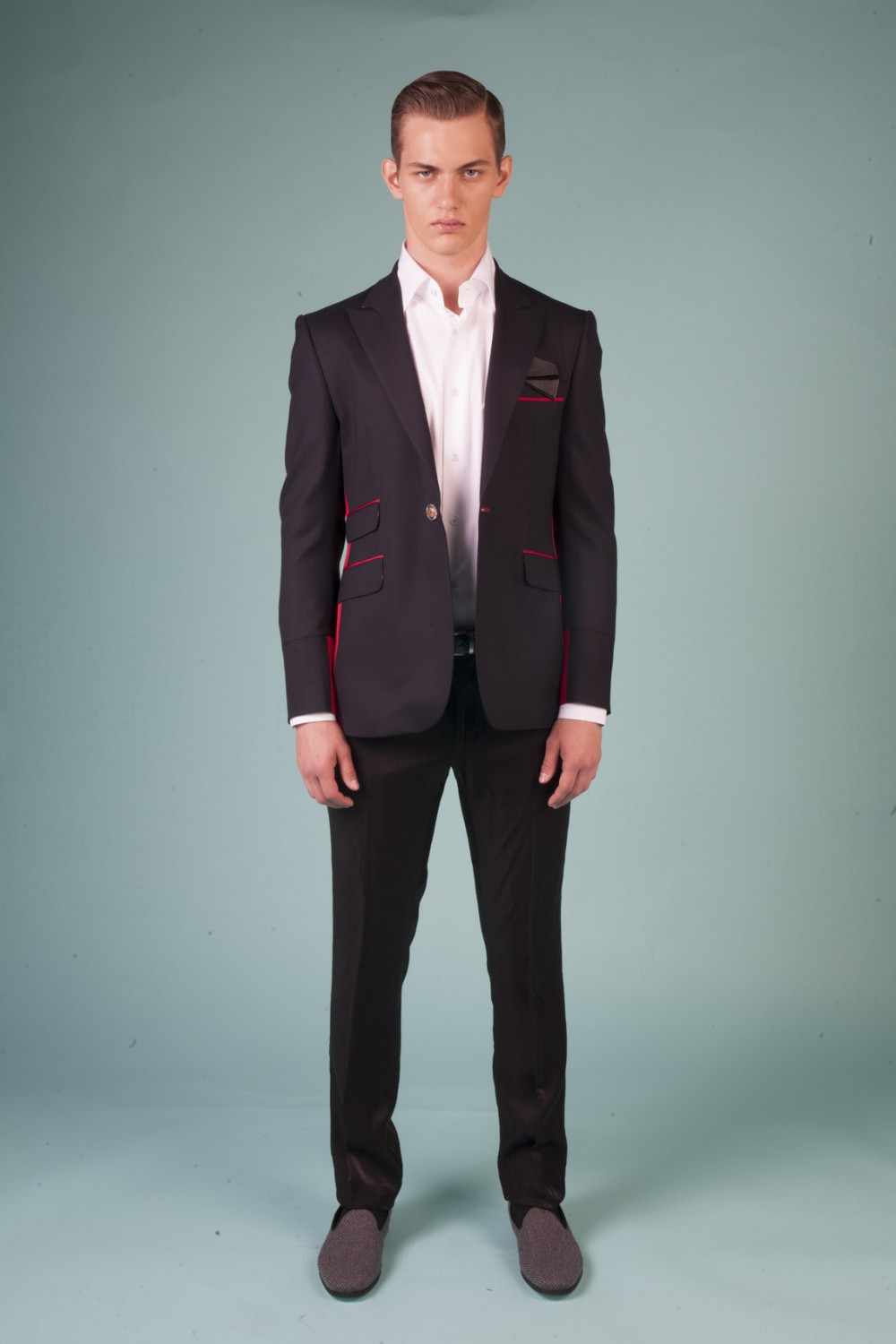 Colour: Midnight blue - Red Fabric: Stretch wool - Silk faille Lining: Viscose