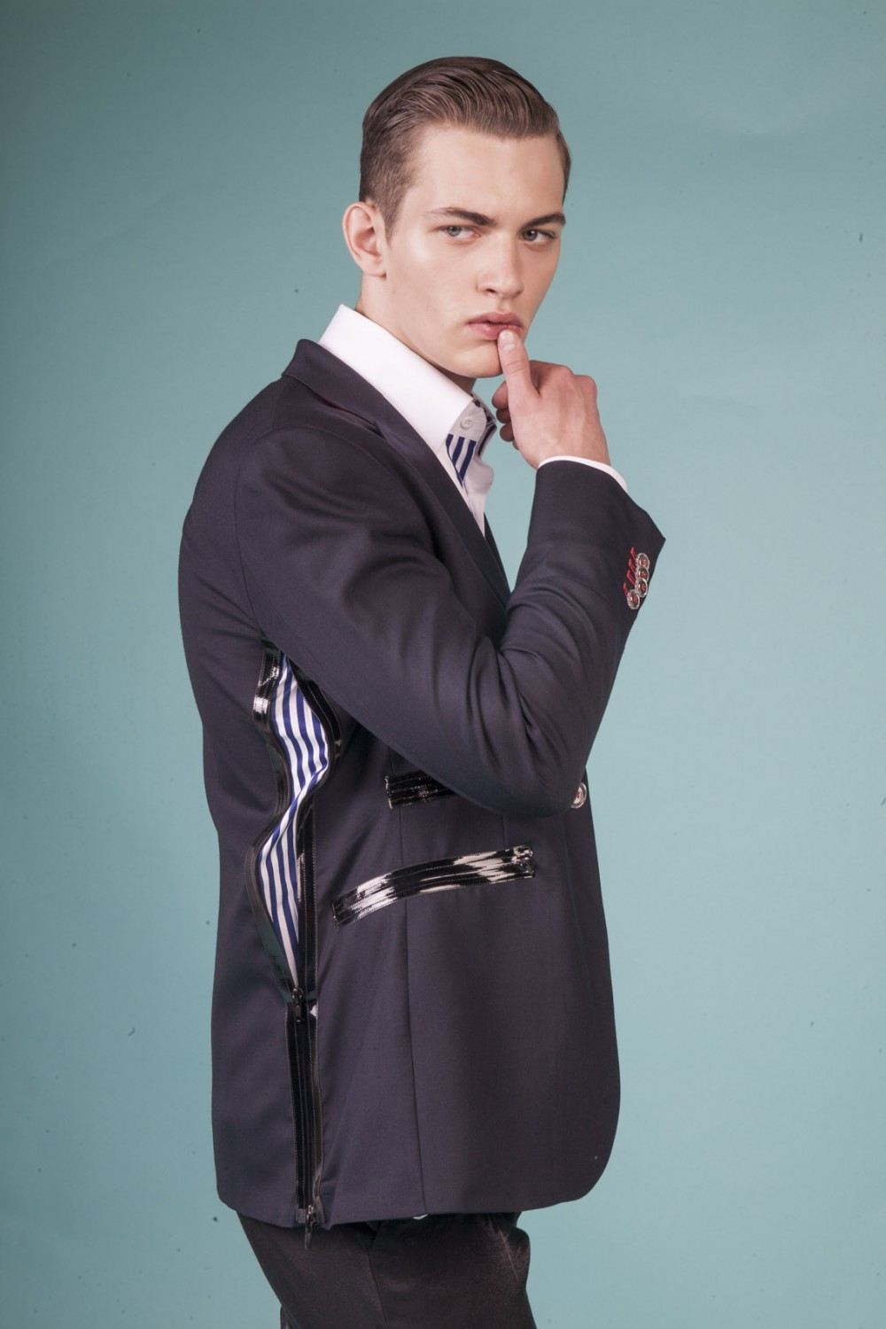 Colour: Midnight blue - Navy and white stripes Fabric: Stretch wool - Glossy black zippers Lining: Viscose