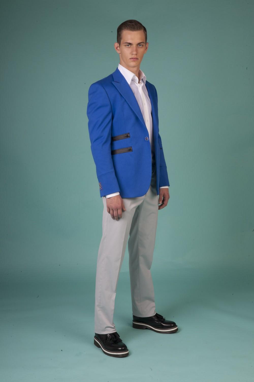 Colour: Royal blue - Black - Red Fabric: Stretch cotton - Matt zippers Lining: Viscose